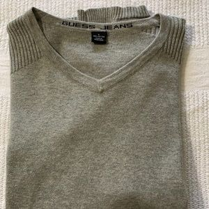 GUESS short sleeve V neck sweater / top